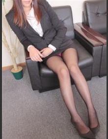 びしょぬれ新人秘書 セリナ