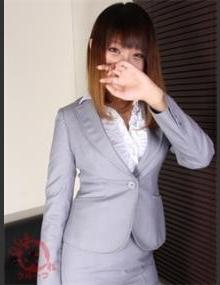 びしょぬれ新人秘書 ユ ラ